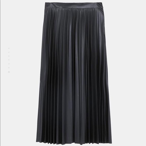 6a84e89063 Zara Skirts | Nwot Faux Leather Pleated Skirt | Poshmark